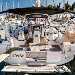 Beneteau Oceanis 38 | Cvita