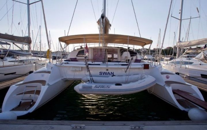 Fountaine Pajot Athena 38 | Swan