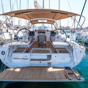 Beneteau Oceanis 41 | White Pearl