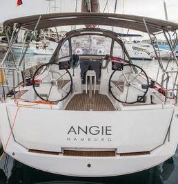 Jeanneau Sun Odyssey 389 | Angie