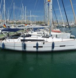 Dufour 382   Sunny Blue