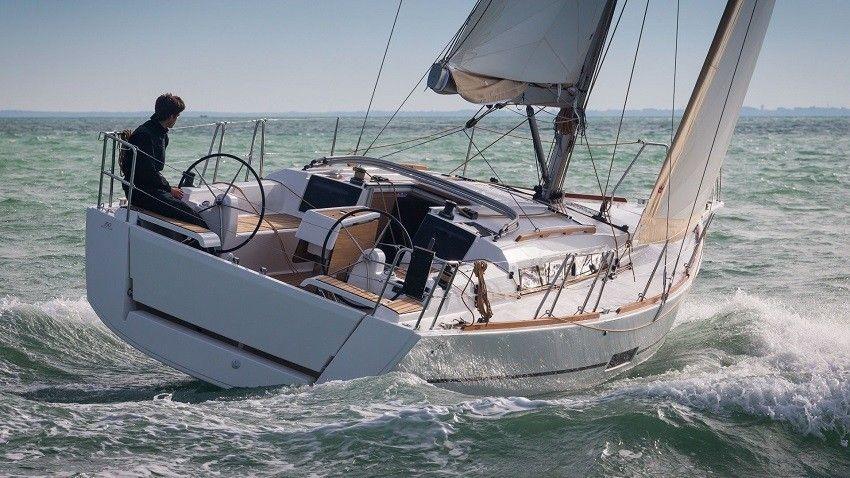 Dufour 350 (2016)
