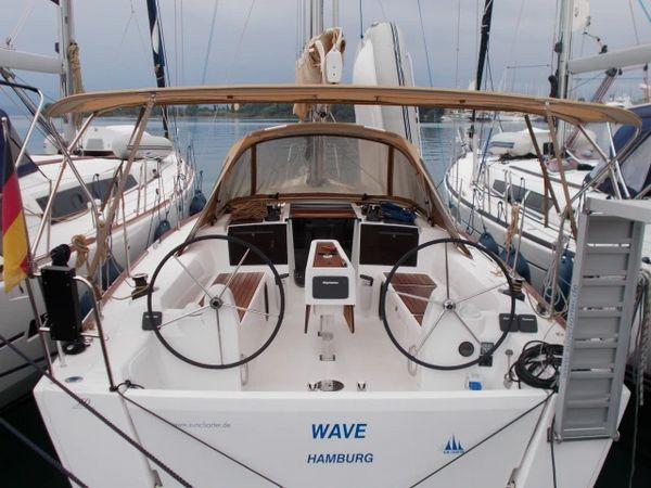 Dufour 350   Wave
