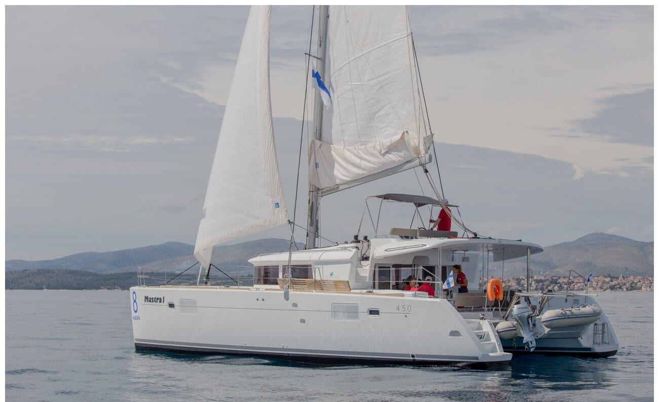Lagoon 450 F (2014)
