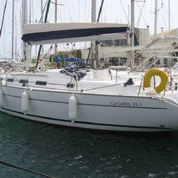 Beneteau Cyclades 39   Six Pack