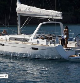Beneteau Oceanis 45 | Olympia