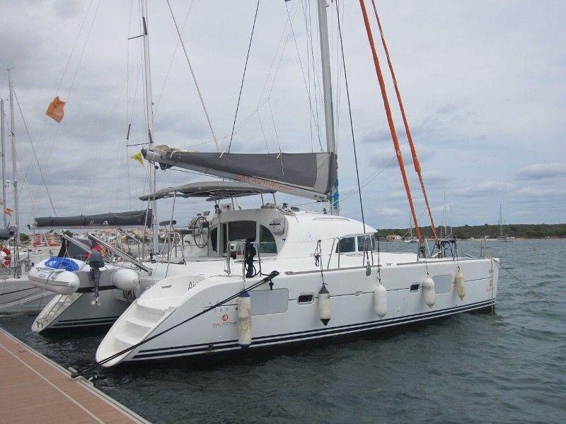 Lagoon 380 (2005)
