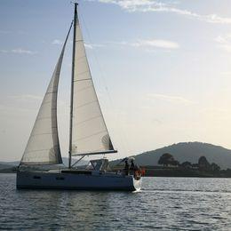 Beneteau Oceanis 38   Ada