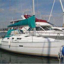 Beneteau Oceanis Clipper 323 | Aphrodite Spirit