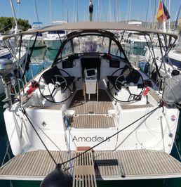 Jeanneau Sun Odyssey 389 | Amadeus
