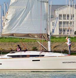 Jeanneau Sun Odyssey 389   Dakiri