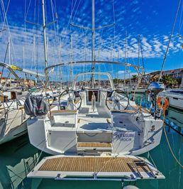 Beneteau Oceanis 38 | Pleasure