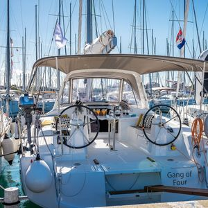Beneteau Oceanis 38 | Gang of Four