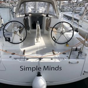 Beneteau Oceanis 38 | Simple Minds