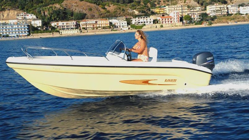 Ranieri 17 | Shark