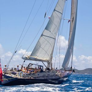 Yacht Officine Pesaro 72 | Pacific Wave