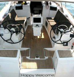 Jeanneau Sun Odyssey 419 | Happy Welcome