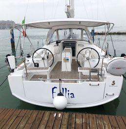 Beneteau Oceanis 38   Follia