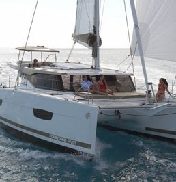 Fountaine Pajot Lucia 40 | Relax Planet