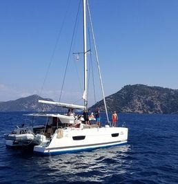 Fountaine Pajot Lucia 40 | Hola