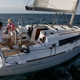 Beneteau Oceanis 34 | Just Grey