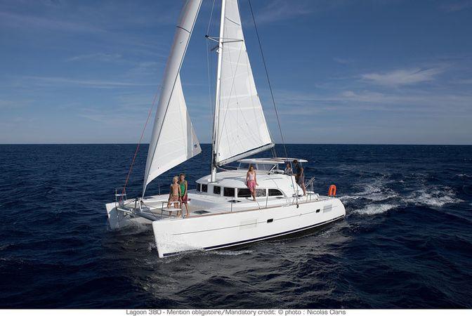 Lagoon 380 S2   Kiwi 6