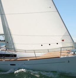 Beneteau Oceanis 37   Carte Blanche