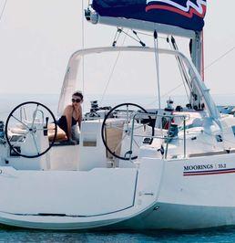 Beneteau Oceanis 35.1 | Moorings 17
