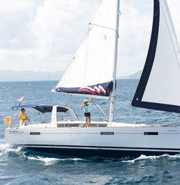 Beneteau Oceanis 42 | Moorings 19
