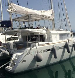 Lagoon 450 F | Odysseus