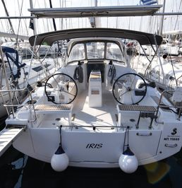Beneteau Oceanis 38 | Iris - ATHENS