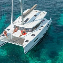 Fountaine Pajot Lucia 40 | Happy Hour