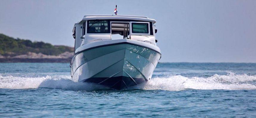 Custom Built 40   Archipelago Adventurer