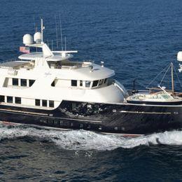 Newcastle Marine 128 | Safira