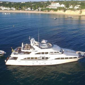 Charter Motor Yacht - Caribbean