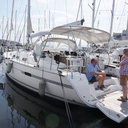 Bavaria Cruiser 45   Futuro