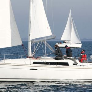 Beneteau Oceanis 37 | White Horse