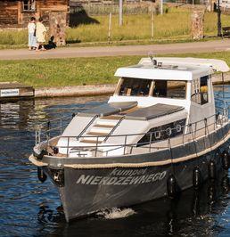 Nautiner Yachts 38 | Kumpel Nierdzewnego