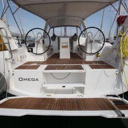 Beneteau Oceanis 38   Omega