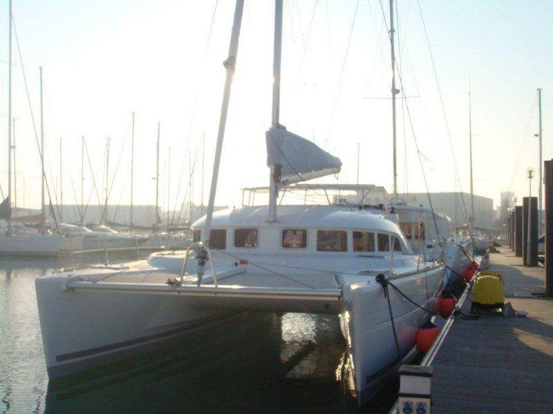 Lagoon 380 S2 (2009)