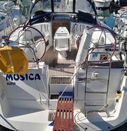 Beneteau Oceanis 40   Musica