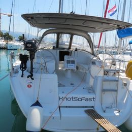 Beneteau Cyclades 43 | Knot So Fast