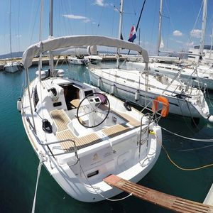 Beneteau Oceanis 31 | Honey