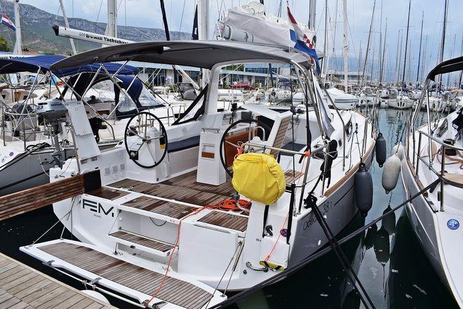Beneteau Oceanis 38   Femi Pearl