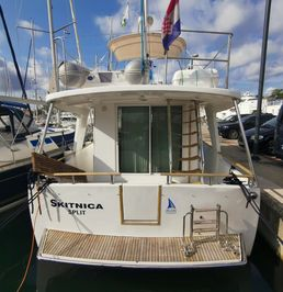 Beneteau Swift Trawler 42 | Skitnica