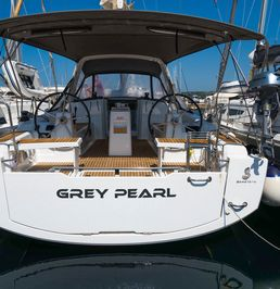 Beneteau Oceanis 38 | Grey Pearl
