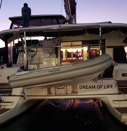 Lagoon 42   Dream of Life