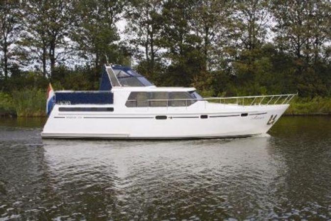 Custom Built Premier 1375 | Ariane