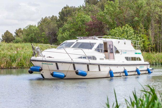 Europa 600 | Locaboat 05