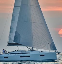 Jeanneau Sun Odyssey 41 | Black Star 2